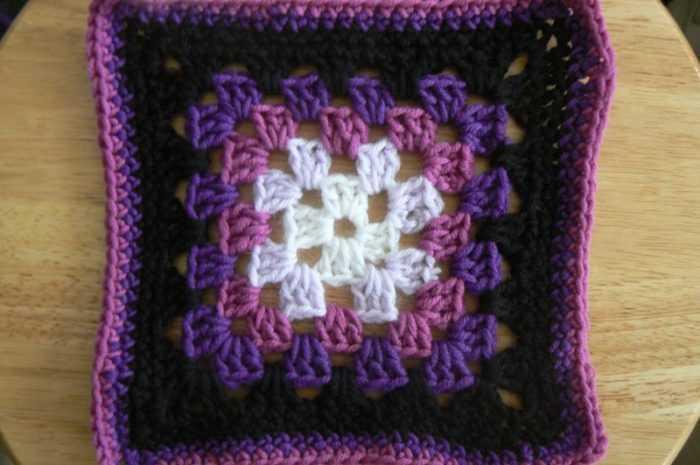Бабушкин квадрат — особенности технологии вязания. Схемы изготовления мотивов своими руками + лучшие фото-обзоры