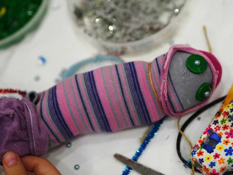 Игрушка из носка своими руками 🧦: ТОП-110 фото и пошаговый мастер-класс создания игрушки из носка. Интересные идеи поделок для детей своими руками