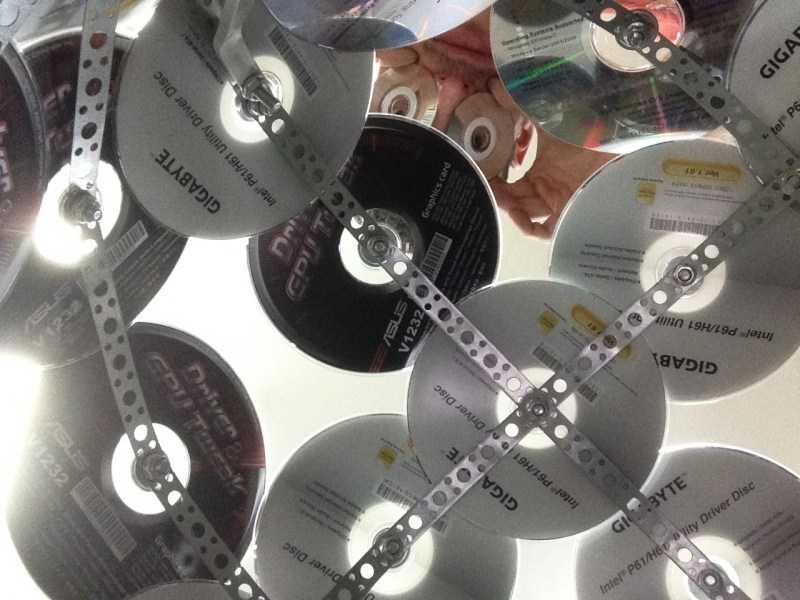 Поделки из дисков: ТОП-130 фото и лучший мастер-класс по созданию поделок своми руками с пошаговыми схемами для начинающих