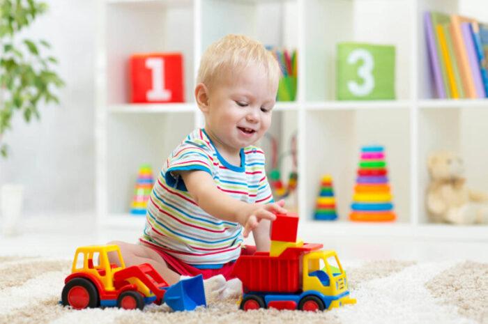 Что подарить мальчику на 2 года — список лучших вариантов интересного и полезного подарка (120 фото идей)