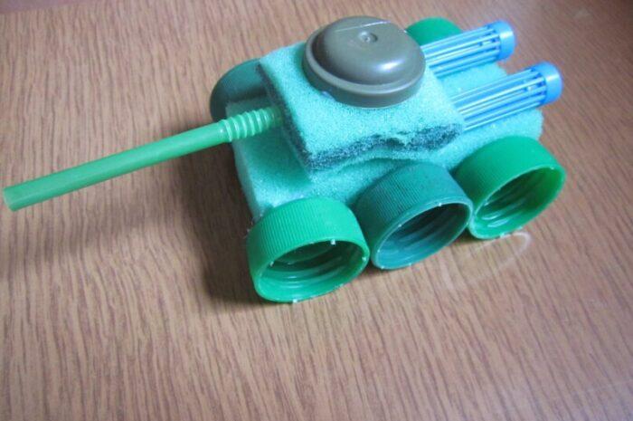 Поделка танк: мастер-класс с фото и описанием, как сделать необычную поделку для детей